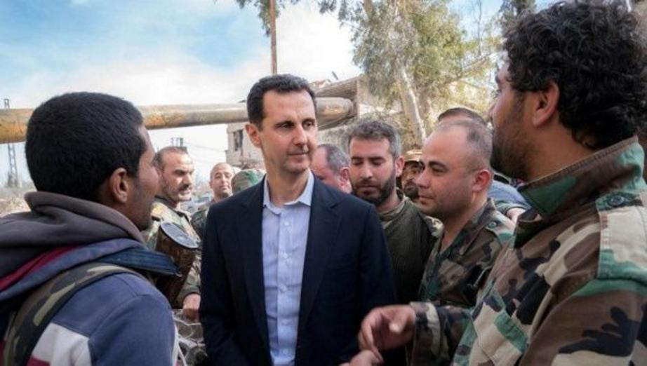 Syrian President Bashar al-Assad meets with Syrian army soldiers in eastern Ghouta, Syria, March 18, 2018. | Photo: Reuters